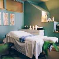 spa-treatment-room_925x