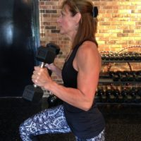 monica-strand-fitness-trainer-dumb-bell-lunges